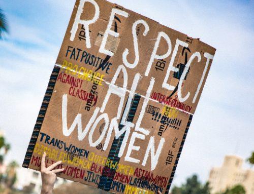 Iniciativas para evitar que la IA continúe discriminando a las mujeres